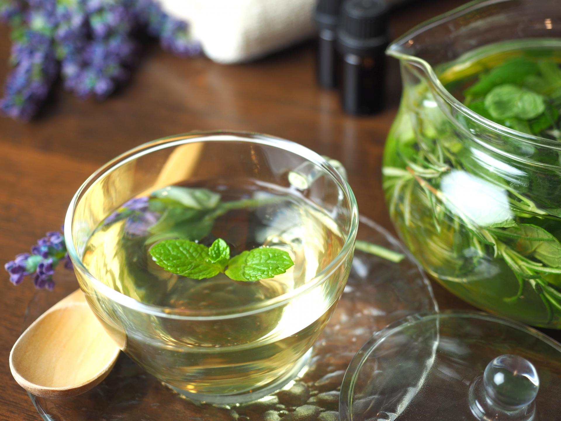 腸セラピー後は、あたたかいお茶とともにアフターアドバイスを行います。